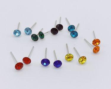 oorbellen met zirconia gekleurd 4 mm